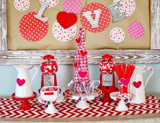 I Heart Valentine's Tablescape - Gallery Slide #11