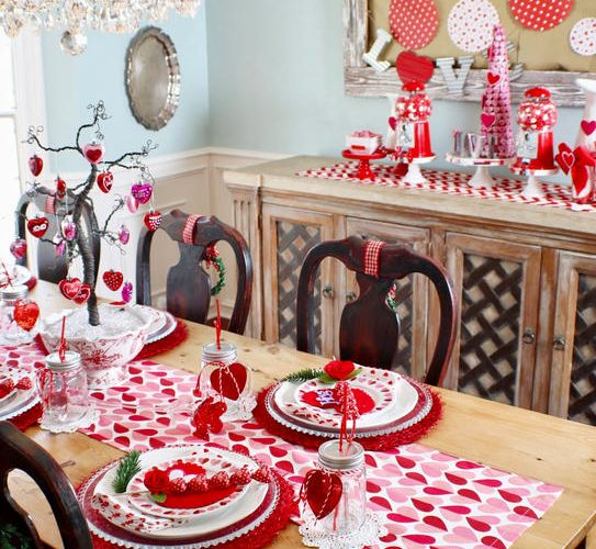 I Heart Valentine's Tablescape - Gallery Slide #1