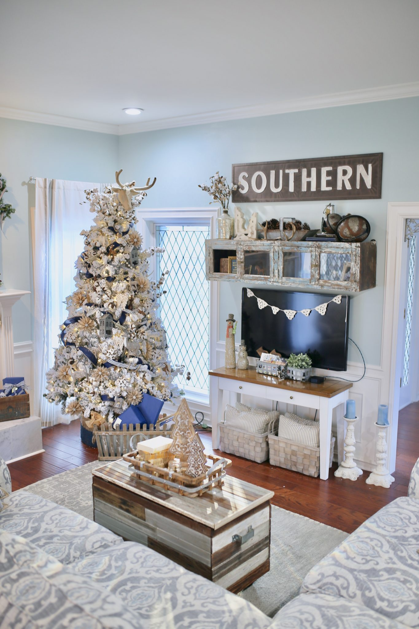 Christmas In July Decor Trends Of 2018 Cutertudor