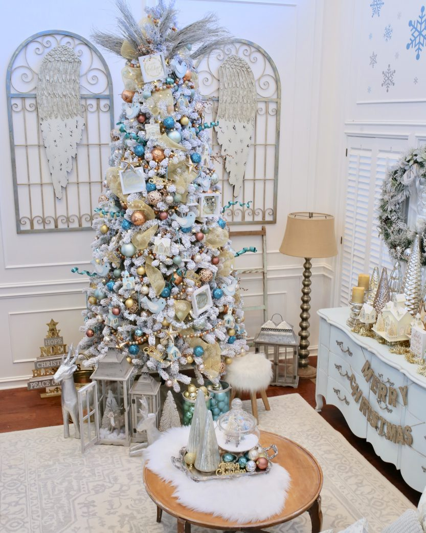 join my favorite blogger friends and i on this christmas in july blog hop to share our favorite christmas decor trends of 2018 sponsored by king of