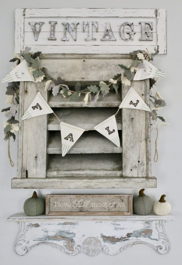 Vintage Inspired Fall Decor for the Entryway
